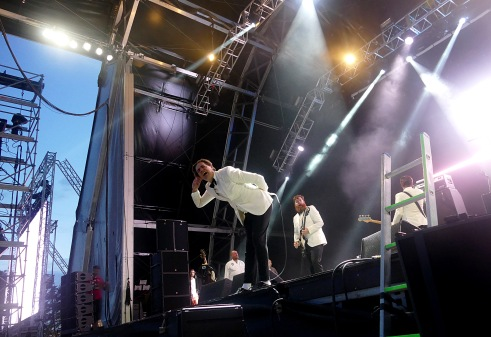 The Hives; Victorious