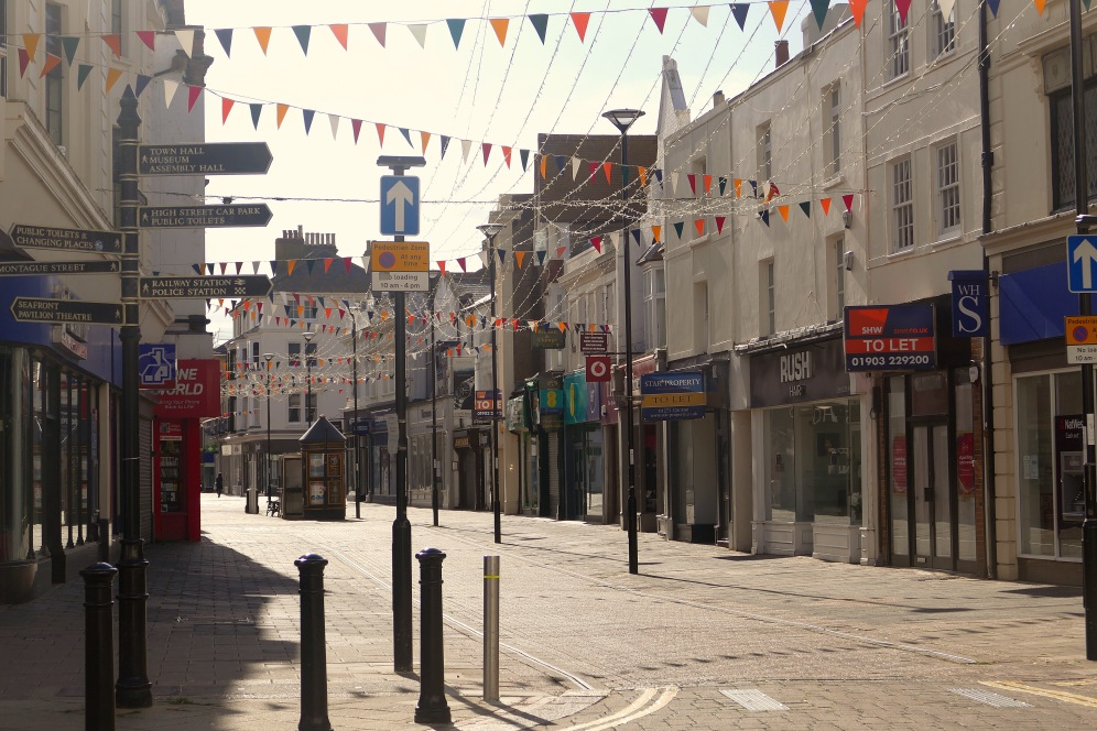 Worthing Town Centre © 16 Beasley St Photography