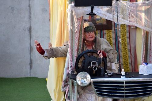 Lady in the Van © 16 Beasley St